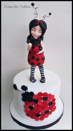 Ladybug Cakes, Owl Cakes, Cupcake Cakes, Biscuit, Button Cake, Birthday Cakes For Women, Cake Birthday, Fantasy Cake, Cake Pictures