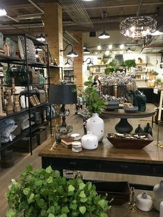 magnolia homes joanna gaines My Trip To Magnolia Market & Things to Know if You Visit Magnolia Joanna Gaines, Chip Y Joanna Gaines, Estilo Joanna Gaines, Magnolia Fixer Upper, Chip Gaines, Joanne Gaines, Magnolia Farms, Magnolia Market, Magnolia Homes