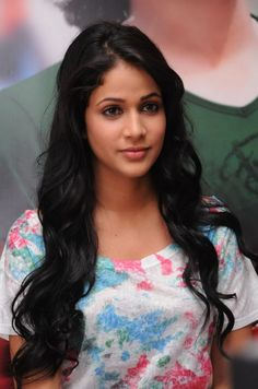 Lavanya Tripathi Age, Height, Weight, Affairs, Figure, Measurements & Facts, Lavanya Tripathi height weight, figure size, shoe bra size, body measurements