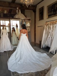 We have so much fun getting to know the dreamy and graceful gowns from Justin Alexander, Justin Alexander Signature, Sincerity and Lillian West!