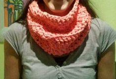 Cuello o bufanda circular de trapillo hecha con ganchillo XL