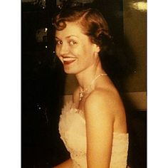 """Vintage Pearls of Beauty Wisdom from SL """"A woman is most beautiful when she is confident. Be confident in who you are, while exercising character and modesty—she was a true Southern woman."""""""