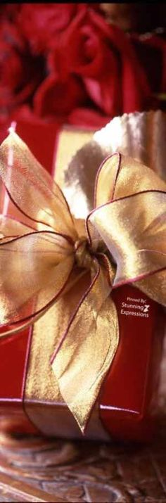 Christmas Wrapping, Christmas Wishes, Red Christmas, All Things Christmas, Under The Mistletoe, Shades Of Red, Merry And Bright, Love Gifts, Love And Light
