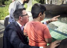 Federal MPs staying publicly quiet could not contrast more starkly to state ALP leaders who are pushing hard against the asylum seekers' deportation. Victorian labor premier Daniel Andrews even took two boys bound for Nauru to Melbourne zoo on Monday. | Here's What Happened When I Tweeted About MPs Being Silent On Asylum Seekers