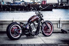Honda VLX 600 w / Cadre rigide par Houston Rétro Bobbers Honda Bobber, Honda Shadow Bobber, Bobber Bikes, Harley Bobber, Harley Bikes, Bobber Motorcycle, Chopper Cruiser, Bobber Chopper, Bobber Style