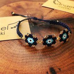 Nazar boncuklu bileklik ⭐️ Sipariş ve bilgi için DM 💌 Bead Loom Bracelets, Woven Bracelets, Beaded Jewelry Patterns, Bracelet Patterns, Jewelry Crafts, Handmade Jewelry, Earring Tutorial, Bijoux Diy, Bead Weaving
