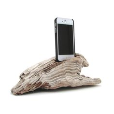 Driftwood is a gift of Nature and for Dock Artisans collection, they have tried very hard not to alter the shapes of wood that are collected and turned into docks. This dock comes with one installed lightning USB cable that will sync and charge your iPhone 5. #reclaimedwood #tech #iphone