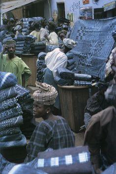 "#so65 #nel blu dipinto di blu Africa | Yoruba Adire Resist-Dyed Cloth for Sale, Ibadan, Nigeria, c.1960's | © Image included in the publication ""Indigo"" by Jenny Balfour-Paul"
