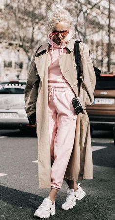 Street style look com moletom.