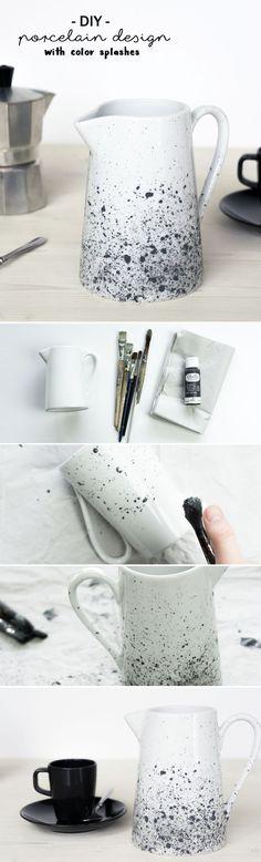 DIY Porzellan bemalen: Milchkrug mit Farbsprenkeln gestalten & den Oster Tisch aufhübschen | Do it yourself | Handmade | Porzellanmalerei | Geschirr gestalten | Kanne | Keramik | schwarz weiß | monochromes Design | Pinsel und Farbe | Kreidefarbe | spülmaschinenfest | Besprenkeln | Farbtupfer | Spritzer | diy tableware | porcelain painting | crafting | Anleitung | Tutorial | idea | chalkpaint | monochrome | skandinavisch | scandinavian | color splashes | Tasse bemalen |  milk p