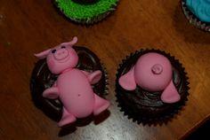 Funny piggy cupcakes!