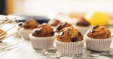 Préparez en 22 minutes 12 muffins succulents aux bananes et chocolat. Mangez-les au déjeuner ou comme dessert!