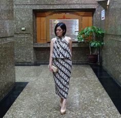 Kebaya Dress, Batik Kebaya, Batik Dress, African Print Fashion, Fashion Prints, Batik Parang, No Sew Tutu, Batik Fashion, African Wear