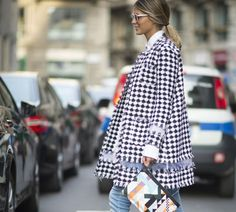 Spring fashion for women is all about great spring coats worn with trendy jeans. Take a look the best street style looks to inspire your style.