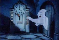 La casa de los fantasmas tiene una historia, mitad irrealidad y mitad silencio. Ahora es una historia transformada, con olor a paraguas viejo que a veces se asoma por algún ventanal. Esa casa vieja...