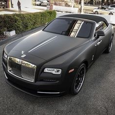 Rolls Royce Is One Of The Most Luxurious Car Ever Been Produced. Here Are The 10 Super Astonishing Rolls Royce Matte Photos My Dream Car, Dream Cars, Selena Gomez, Rolls Royce Cars, Bmw Classic Cars, Expensive Cars, Amazing Cars, Sport Cars, Custom Cars