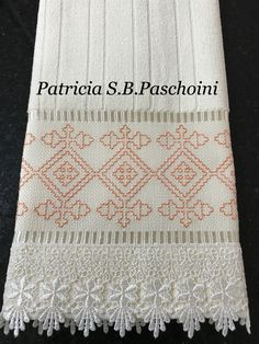 Kasuti Embroidery, Swedish Embroidery, Cute Embroidery, Hand Embroidery Designs, Bargello, Cross Stitch Magazines, Cross Stitch Borders, Embroidery Techniques, Needlework