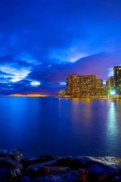 Waikiki Beach, Honolulu, Hawaii - I can't believe I've never been to Hawaii. Need someone to go with :)