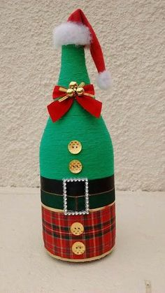 Discover recipes, home ideas, style inspiration and other ideas to try. Glass Bottle Crafts, Wine Bottle Art, Painted Wine Bottles, Diy Bottle, Twine Crafts, Jar Crafts, Holiday Crafts, Christmas Crafts, Christmas Ornaments