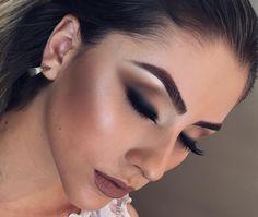 Brigitte Calegari maquiagem esfumada