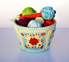40 Ideas to Dress Up Terra Cotta Flower Pots - DIY Planter Crafts {Saturday Inspiration & Ideas} - bystephanielynn