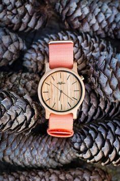 Dřevěné hodinky Woowa Colourz z javoru (meruňková)