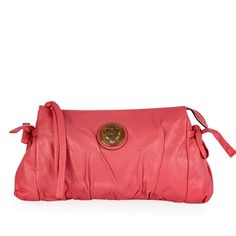 This stylish clutch is crafted of luxurious pleated pink leather. This is a marvelous clutch for day or evening from Gucci! Mean Girls, Designer Bags, Pink Leather, Pretty In Pink, Dust Bag, Take That, Gucci, Hardware, Exterior