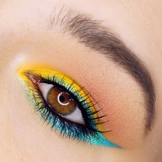 This look is a great summer look, its colorful, it goes well with every eye color and its definitely eye catching make up.