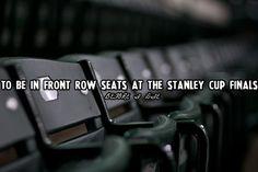 Hockey Bucket List- Front Row Seats at the Stanley Cup Playoffs [aka, win the lottery] XD Flyers Hockey, Blackhawks Hockey, Hockey Teams, Chicago Blackhawks, Hockey Stuff, Rangers Hockey, Stanley Cup Playoffs, Stanley Cup Finals, Hockey Baby