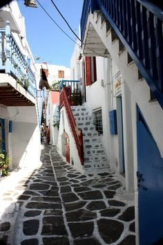 Alleyways of Mykonos, #Greece