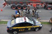Infrações de trânsito - Operação recolhe 427 motocicletas aos pátios da PRF +http://brml.co/1VXqeiB
