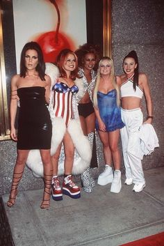 Victoria Beckham Had the Biggest Spice Girls Clothing Budget (Blame It on All Those Little Gucci Dresses) 90s Costume, Girl Costumes, Halloween Costumes, Spice Girls Costume Halloween, Sporty Spice Costume, Ginger Spice Costume, Baby Spice Costume, Movie Costumes, Fashion 90s