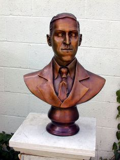 The 'N' word through the ages: The madness of HP Lovecraft Hp Lovecraft, Lovecraft Cthulhu, Horror, A Beast, Olympians, Social Justice, Pop Culture, Sculpture, Statue