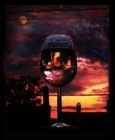 """""""¿Hay algo, pregunto yo, más noble que una botella de vino bien conversado entre dos almas gemelas? """" by Nicanor Parra y foto by Bossbob50 visto en flickr"""