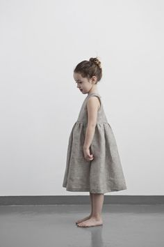 Pleated Dress with Open Back - Muku Vintage Kids Clothes, Vintage Girls Dresses, Cool Kids Clothes, Dresses Kids Girl, Toddler Girl Outfits, Kids Outfits, Flower Girl Dresses, Summer Clothes, Baby Girl Fashion