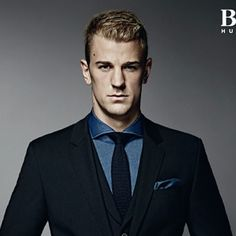 Joe Hart with a short hairstyle for thick hair worn slick. Short Hairstyles For Thick Hair, Messy Bun Hairstyles, Hairstyle Look, Casual Hairstyles, Short Hair Cuts, Short Hair Styles, Soccer Hairstyles, Gymnastics Hair, Sunset Girl