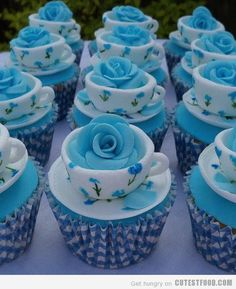 blue teacup cupcakes