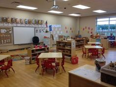 I taught pre-k for many years and had a variety of classrooms! This one is by far, my favorite! I went from a bright hot pink/turquoise them. Kindergarten Classroom Setup, Classroom Layout, Classroom Decor Themes, New Classroom, Classroom Setting, Classroom Design, Classroom Organization, Classroom Ideas, Preschool Centers