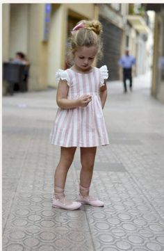 Baby Dress,Dusty Pink Linen Dress,Summer children's dress,Toddler Girls Dress,sleeves wings pinafor Source by etsy Easter Dresses For Toddlers, Girls Easter Dresses, Wedding Dresses For Girls, Baby Girl Dresses, Flower Girl Dresses, Dress Wedding, Boy Dress, Little Girl Outfits, Little Girl Fashion