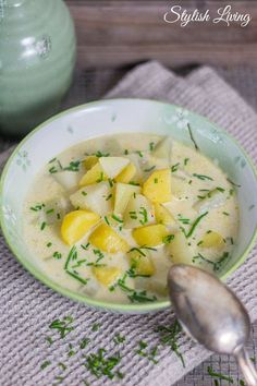 Kohlrabi-Kartoffel-Suppe mit Schmelzkäse