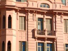 Casa de Cultura Mário Quintana, em Porto Alegre, que tem uma vida cultural agitada. Foto: Banco de Imagens Conheça a capital gaúcha > http://www.guiaviagensbrasil.com/blog/7-curiosidades-sobre-porto-alegre-que-voce-deveria-saber
