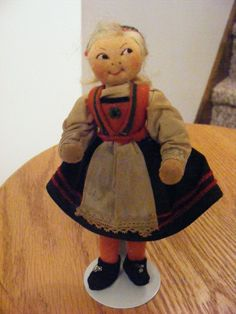 "EARLY 1930's 5 1/2"" Norwegian Ronnaug Petterssen Silk Georgette Hardanger Girl Doll. These early dolls are very hard to find."