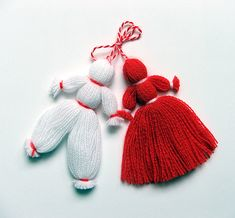 Честита Баба Марта to all my friends. /Happy grandmother Marta/ – This is an old pagan tradition that remains almost unchanged today. Bulgarians exchange and wear white and red tassels. The common belief is that by wearing the red and white colours of the martenitsa people ask Baba Marta for mercy.