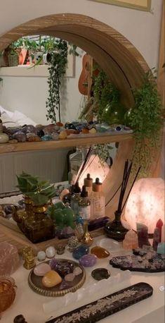 Room Design Bedroom, Room Ideas Bedroom, Bedroom Decor, Design My Room, Chambre Indie, Ideas Habitaciones, Crystal Room, Indie Room Decor, Cute Room Ideas