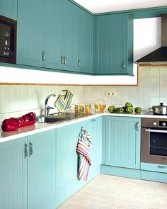 turquoise in kitchen