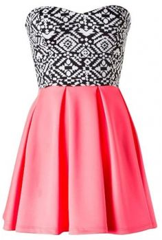 Sleeveless sweetheart tribal print pleated skater dress 100% PolyesterLength: 25.5