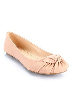 I neet to invest in more adorable flats for Colorado!