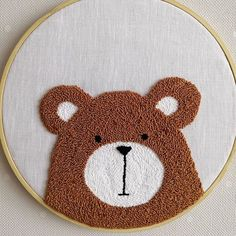 Hand Embroidery Art, Embroidery Sampler, Embroidery Patterns, Punch Needle Patterns, Diy Baby Gifts, Diy Origami, Bear Art, Punch Art, Woven Rug