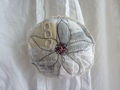 textile brooch by Heike Gerbig