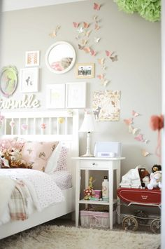 Absolutely love this room! Great ideas on this site! Defo gonna make those butterflies.